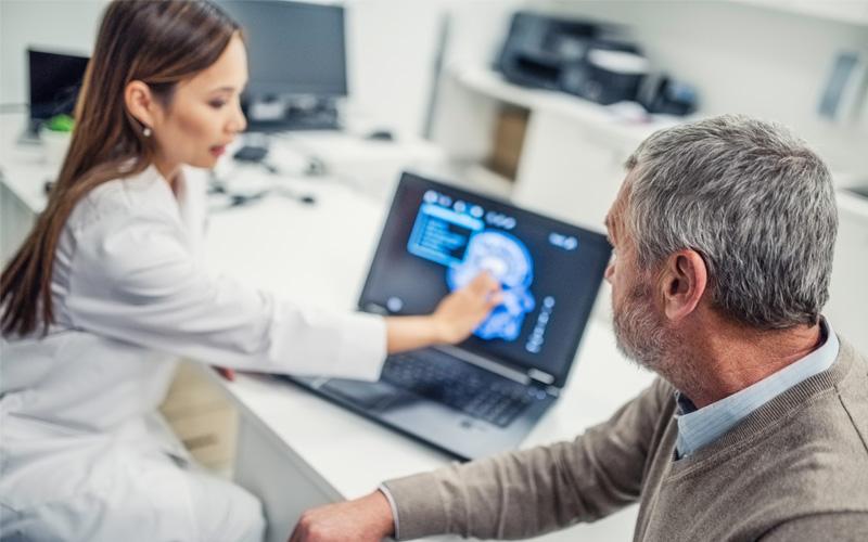 1 8 Enxaqueca Repare Se Para Consulta Com Neurologista